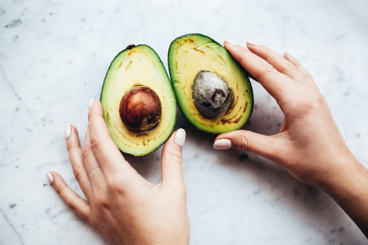 Zo kun je zien of een avocado eetrijp is